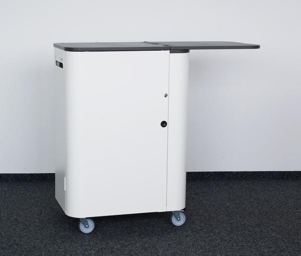 Arbeitsplatz Erweiterung dank der Desk-Klappfunktion